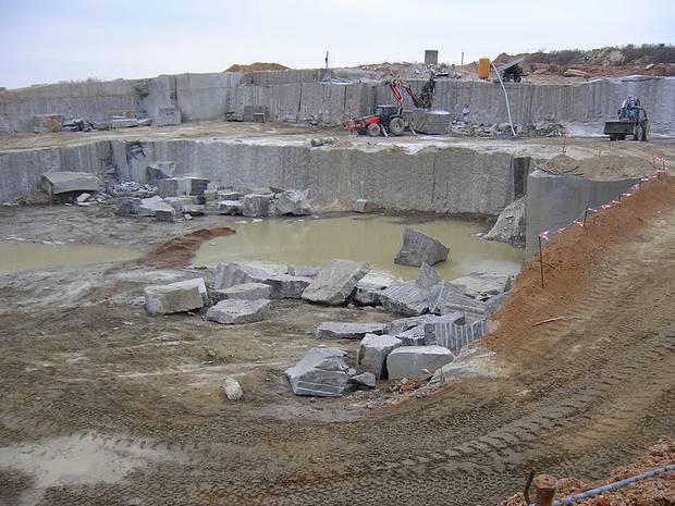 Відкриття Кам'яногірського гранітного кар'єру забезпечило нові робочі місця жителям Кам'яної гори та сусідніх сіл