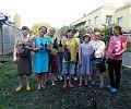 Олеся Сінчук з вихованцями дитячого будинку-інтернату