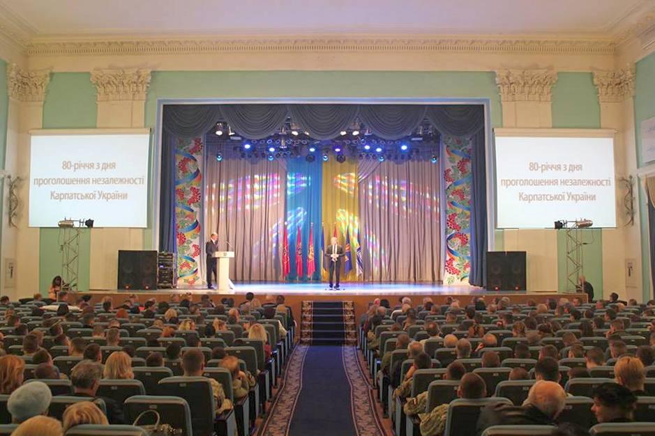Розпочав тематичний захід Володимир В'ятрович, голова Українського інституту національної пам'яті