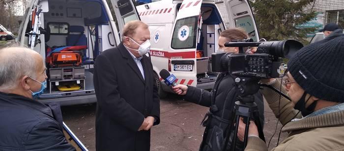 Петро Гаращук дає інтерв'ю житомирському телебаченню
