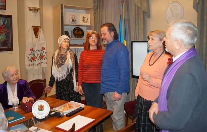 Виконання української народної пісні з Полісся
