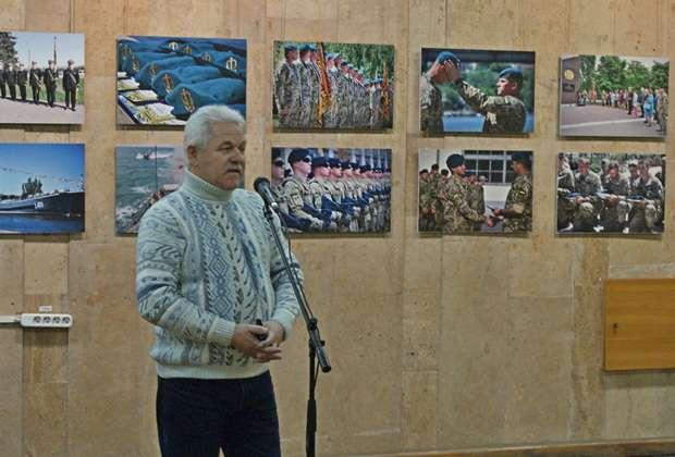 Евген Шваб на відкритті виставки у Києві