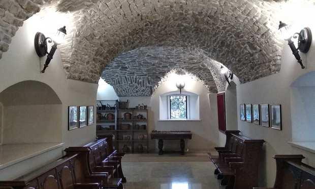 Приміщення синагоги-фортеці